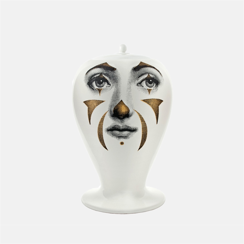 mariella_fornasetti_vase_clown_black_white_gold_front