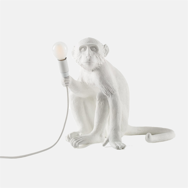 mariella_seletti_monkey_lamp_white_sitting