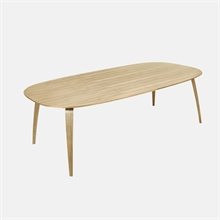 mariella_gubi_dining_table_elliptical_oak_wood
