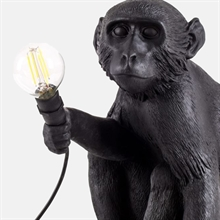 mariella_seletti_monkey_lamp_black_sitting_closeup
