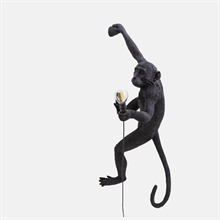 mariella_seletti_monkey_lamp_black_wall_right_1
